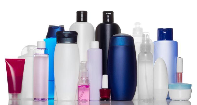 Lelaki Ini Kongsi Teknik Mudah Nak Kesan Produk Kosmetik Sampah